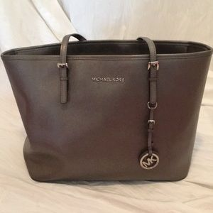 Michael Kors Jet Set Travel Leather Top Zip Tote